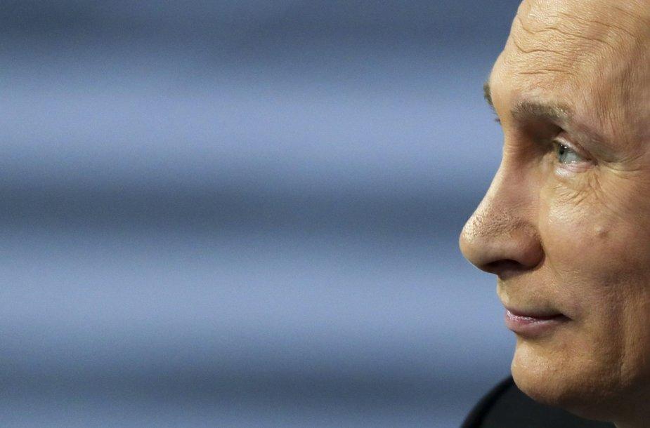 Rusijos prezidentas Vladimiras Putinas atsakinėja į gyventojų klausimus