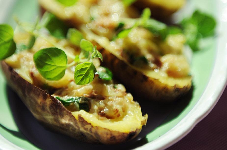 Bulvės su tuno ir sūrio įdaru