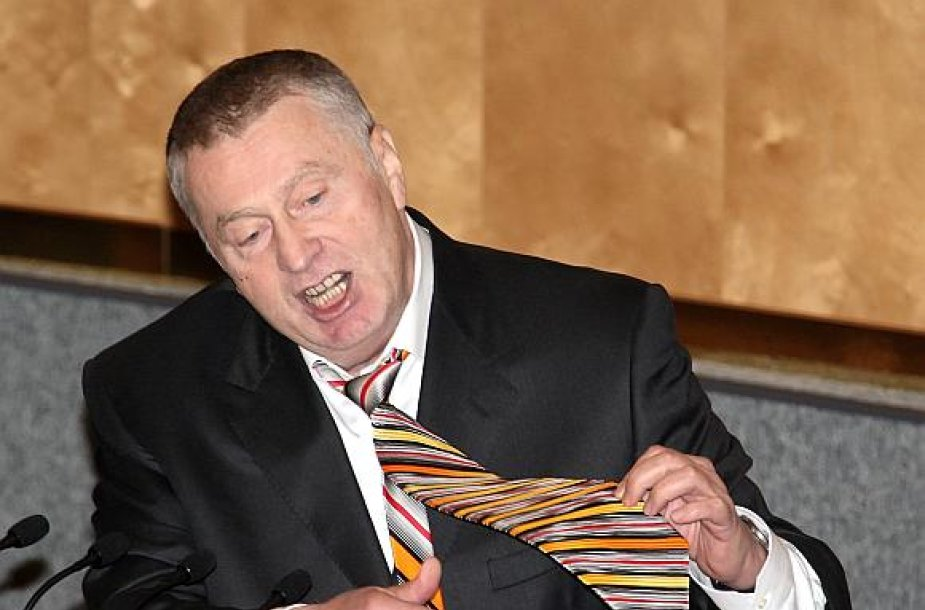 V.Žirinovskis pasirengęs išdalinti dalį savo garderobo.