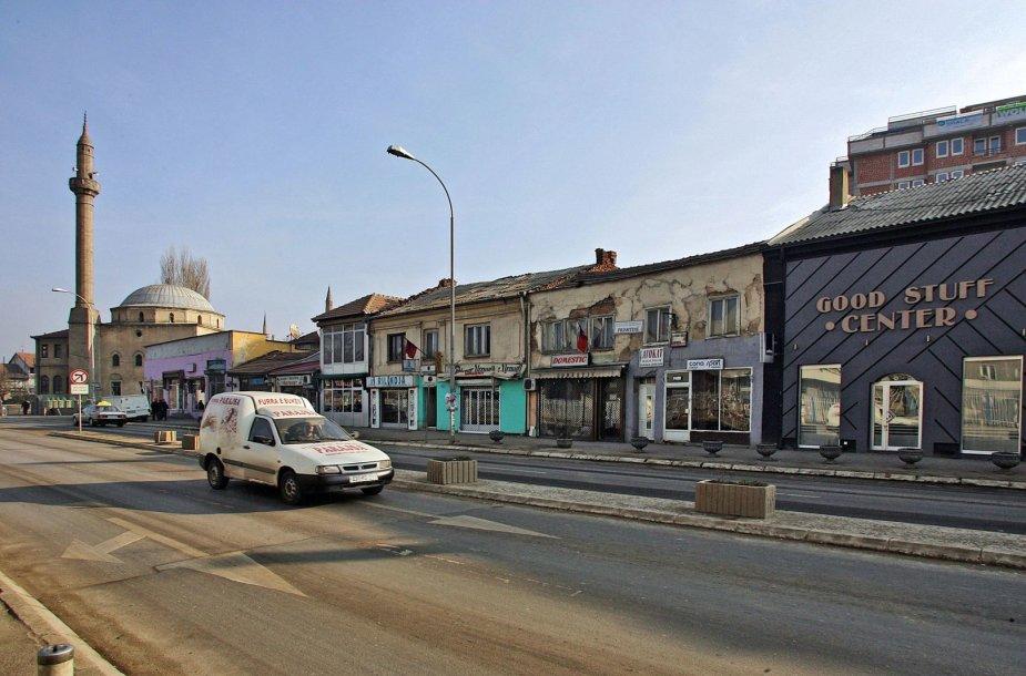 Gatvė Kosovo sostinėje Prištinoje