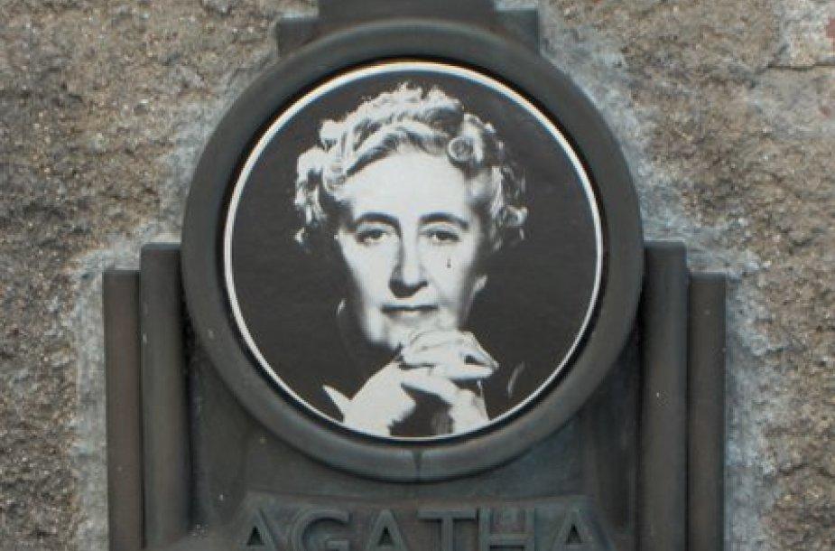 Anglų rašytoja Agatha Christie (1890–1976)