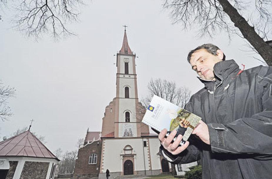 Šv. Jokūno pamario kelio turistinio gido maršrutą išstudijavęs S.Šapoga negalėtų rekomenduoti piligrimams juo eiti.