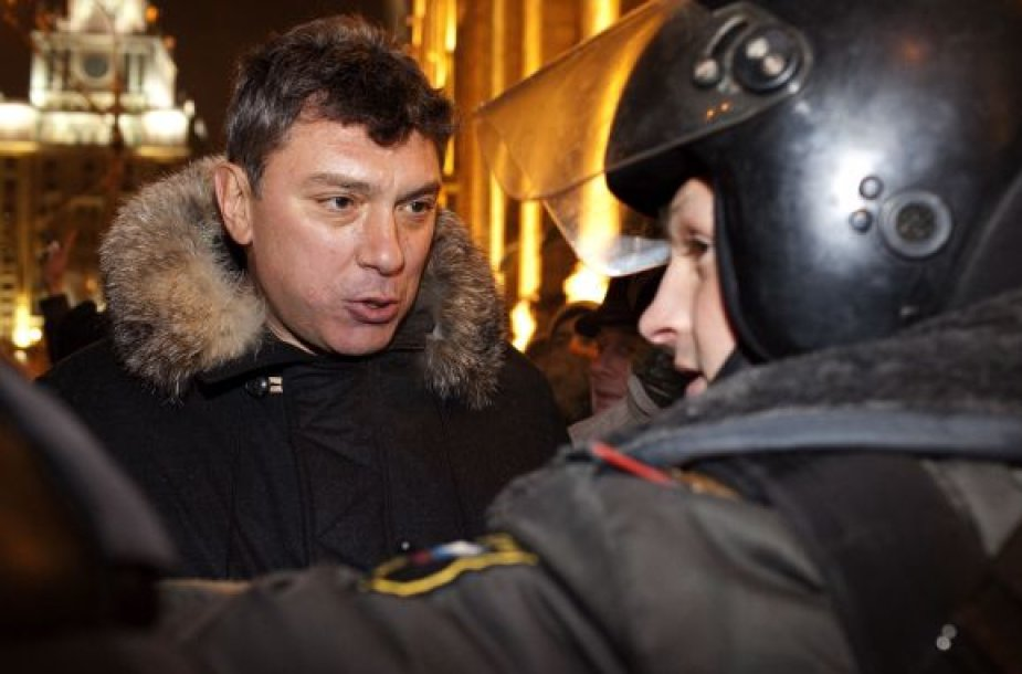 Borisą Nemcovą paskutinę 2010-ųjų dieną sulaikė milicija.