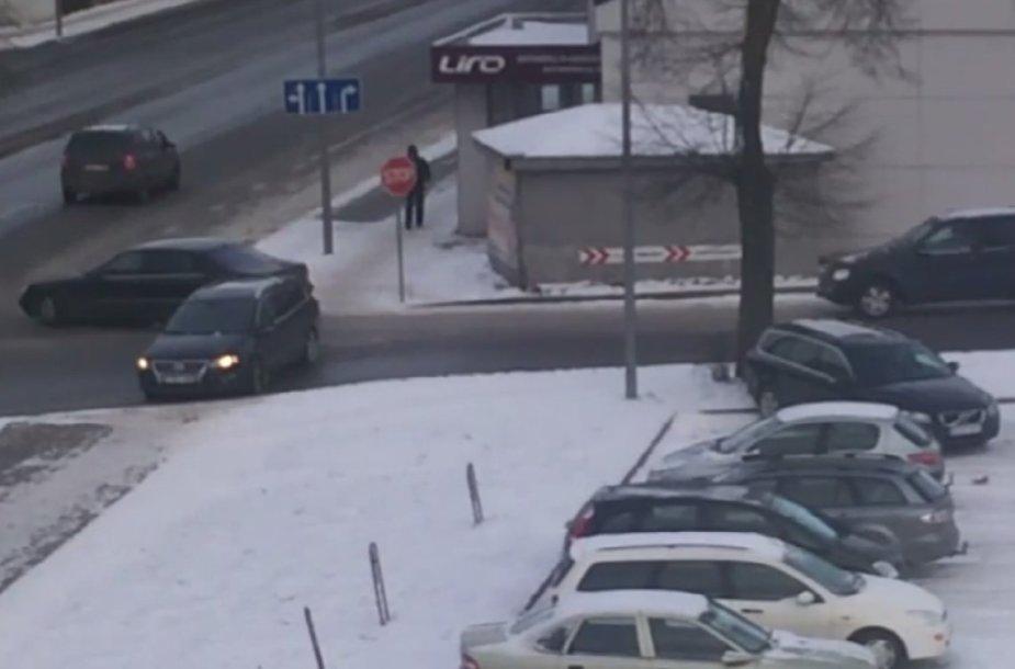 Šiaulių gatvės virto čiuožykla