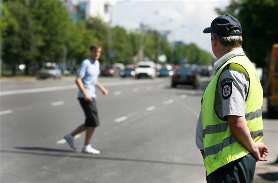 Anot policininkų, nedrausmingi pėstieji neretai būna itin įžūlūs ir pažeidimus daro tiesiog jų panosėje.