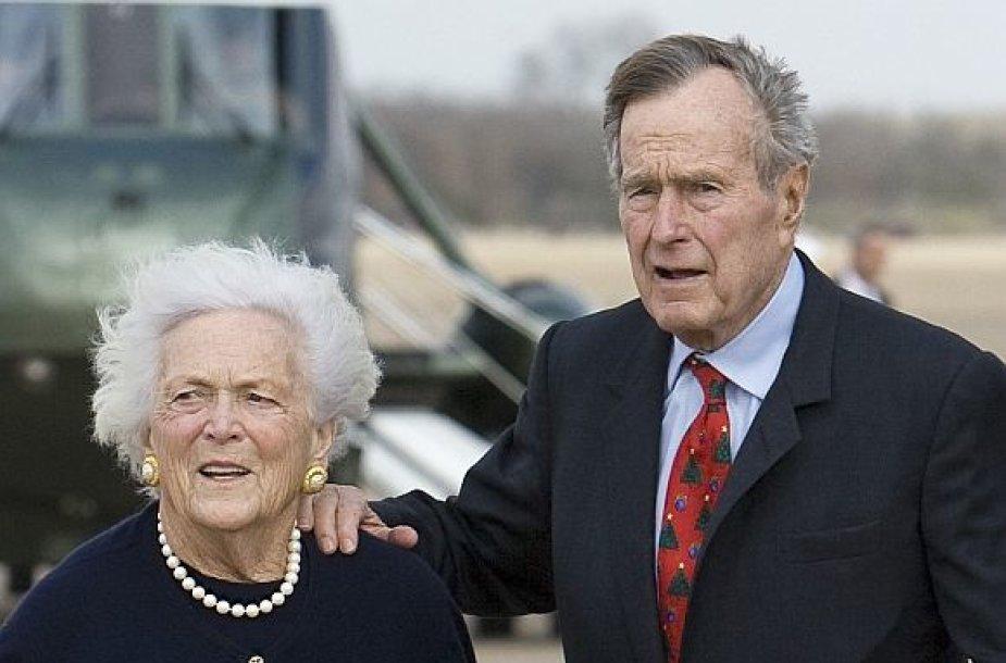 Buvęs JAV prezidentas George'as Bushas vyresnysis su žmona Barbara
