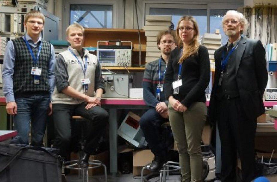 Vilniaus universiteto Taikomųjų mokslų instituto mokslininkai CERN'e. Iš dešinės į kairę: prof. Eugenijus Gaubas, doktorantai Dovilė Meškauskaitė, Audrius Tekorius, Jevgenij Pavlov ir dr. Tomas Čeponis.