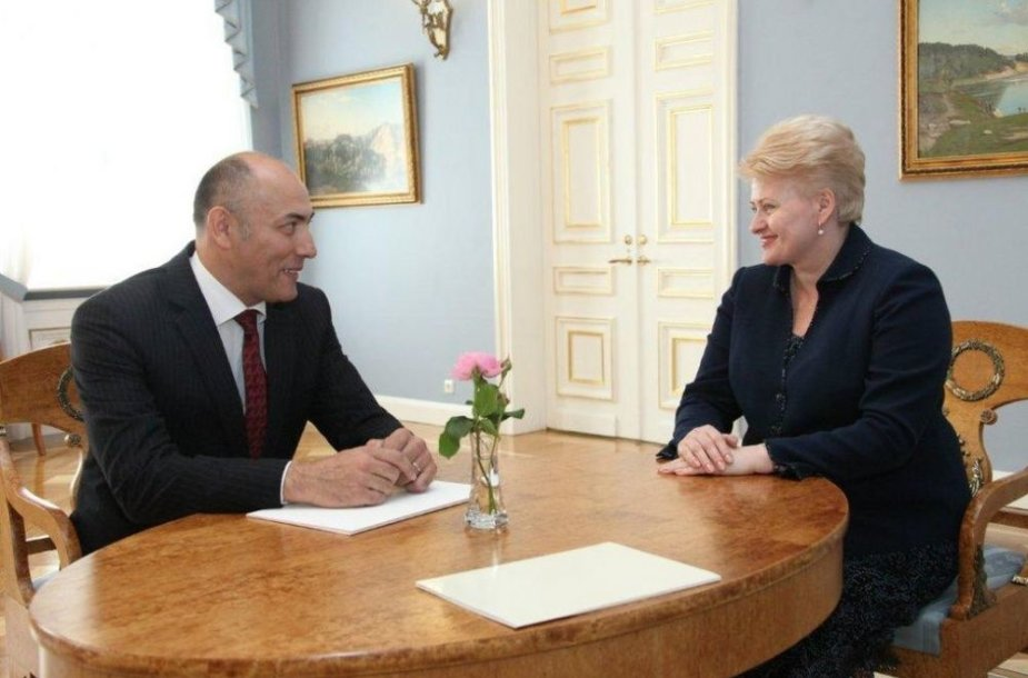 Prezidentė Dalia Grybauskaitė su Lietuvos ambasadoriu Turkijoje Kęstučiu Kudzmanu