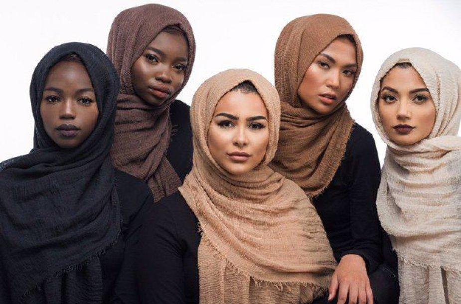Pagal odos spalvą priderinti hidžabai