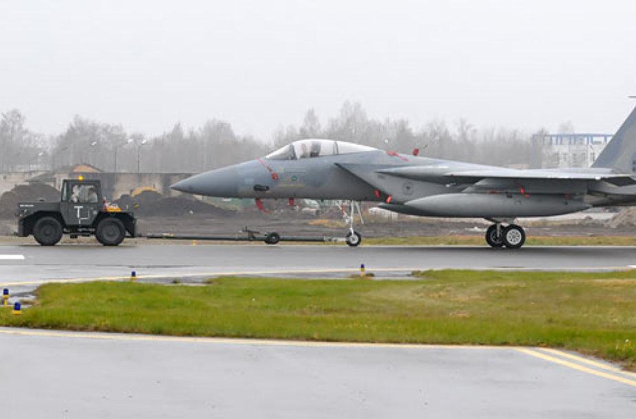 F-15C Eagle šį kartą liko ant žemės