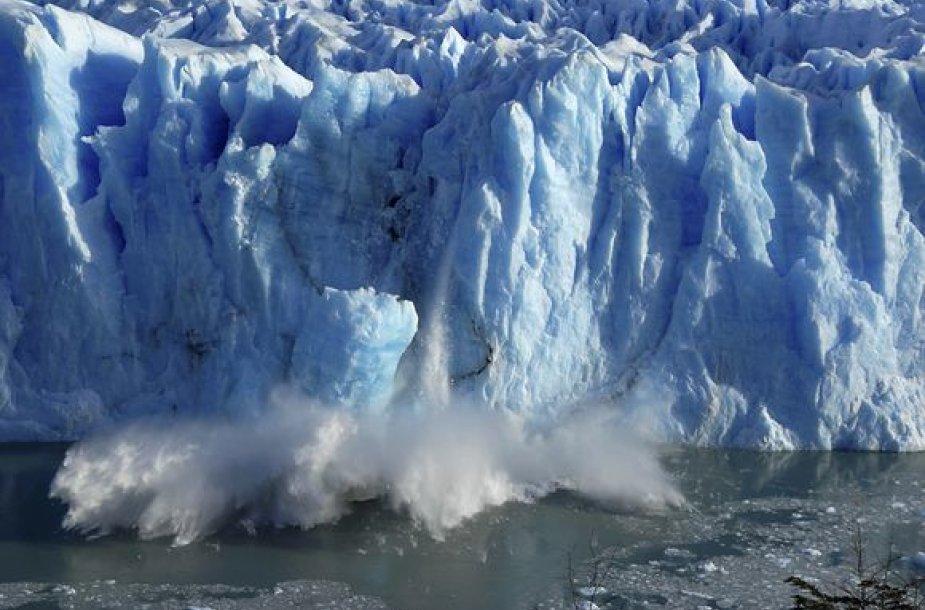 Argentinoje esantis ledynas sparčiai tirpsta