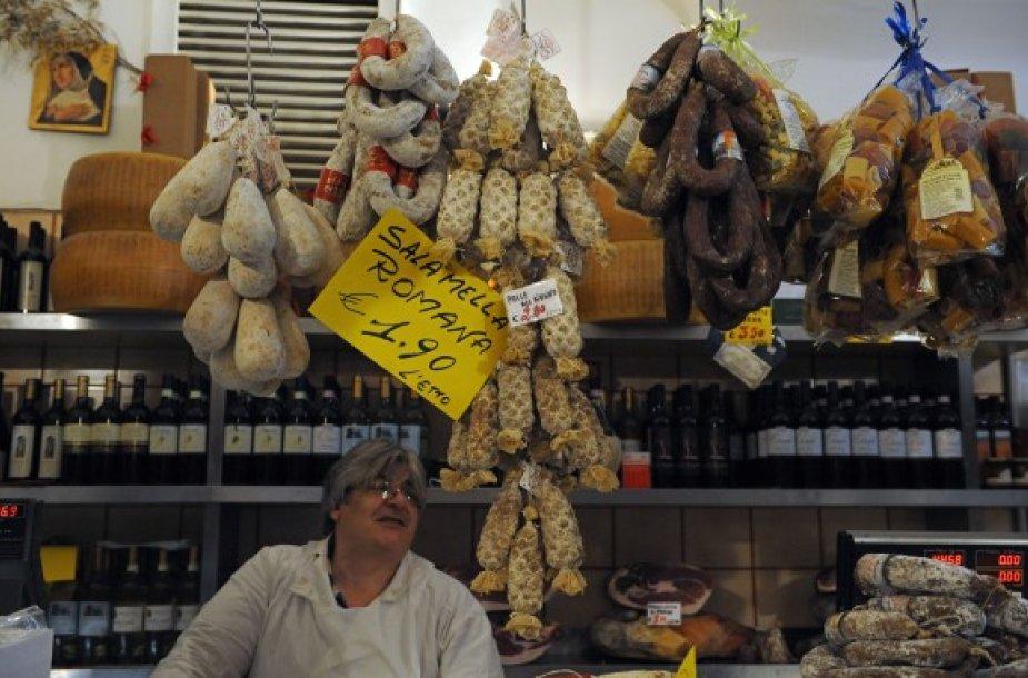 Maisto pardavėjai įvairiose šalyse griebiasi įvairių priemonių, kad pritrauktų pirkėjus.