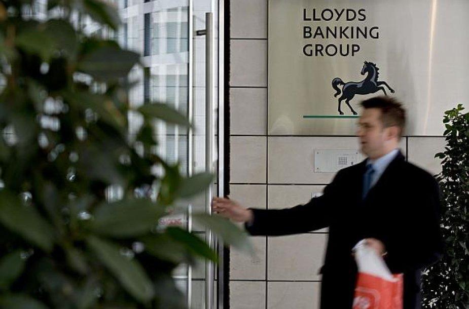 Gelbėdama bankų sektorių Didžiosios Britanijos vyriausybė didina savo įtaką.
