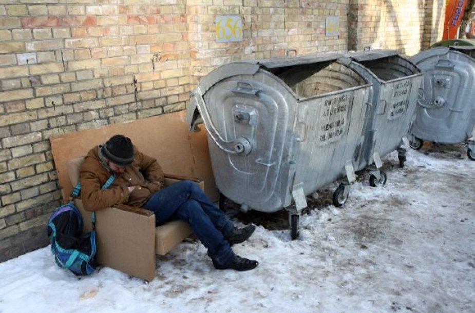 Dažniausia nukenčia alkoholį vartojantys benamiai, kurie užmiega ir sušąla.