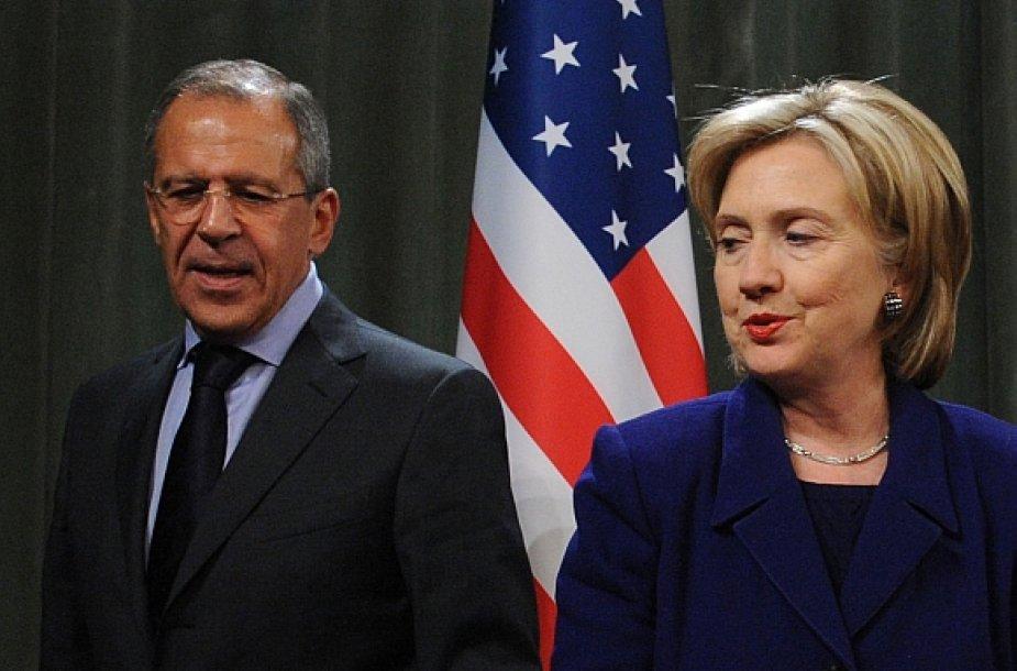 Sergejus Lavrovas ir Hillary Clinton