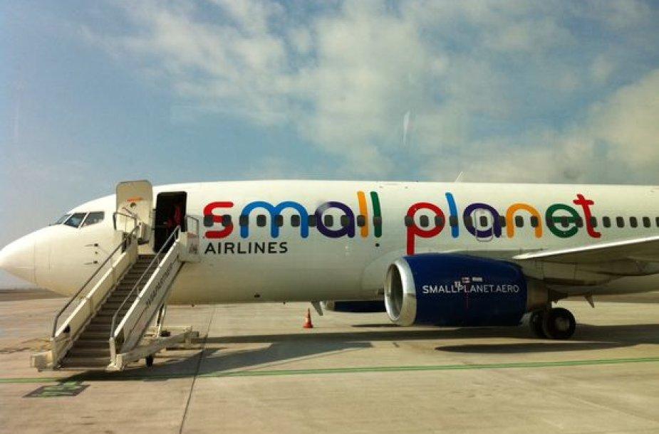 """Small Planet Airlines"" lėktuvas"