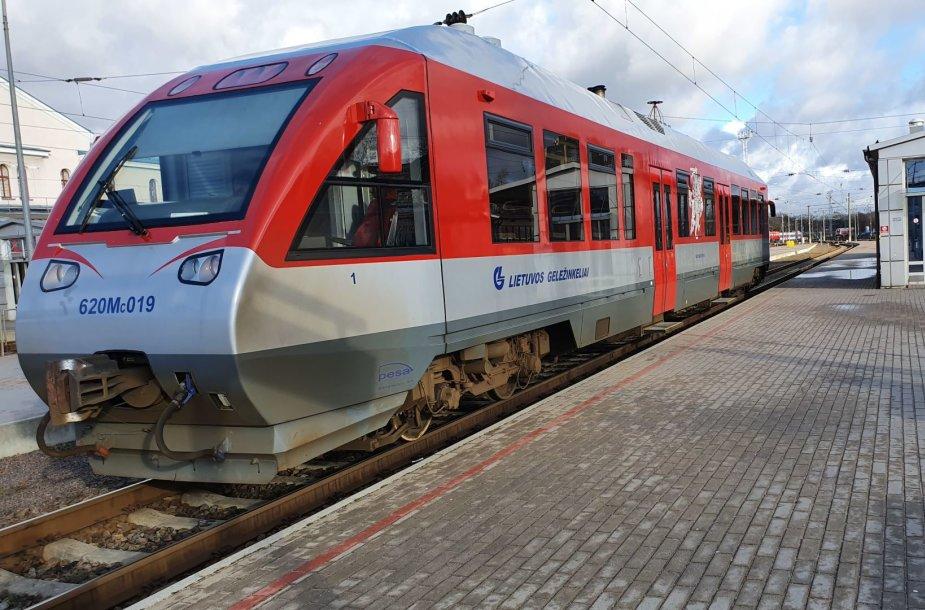 Traukinys (automotrisė), vežantis iš Vilniaus geležinkelio stoties į oro uostą