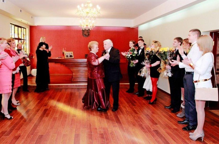 Irma ir Pranciškus Petravičiai švenčia auksines vestuves