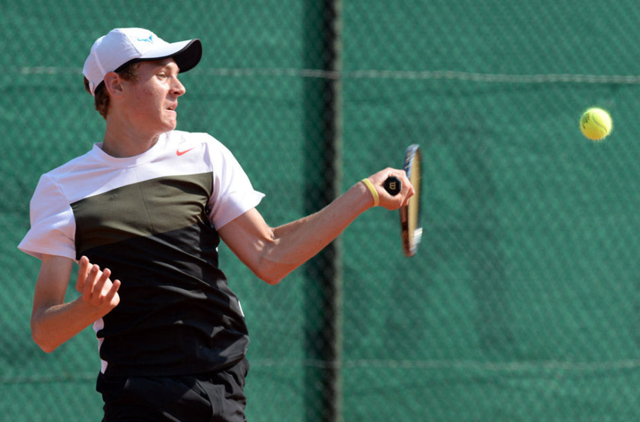 Pirmasis olimpiniame festivalyje Utrechte kovojo tenisininkas Tomas Vaišė