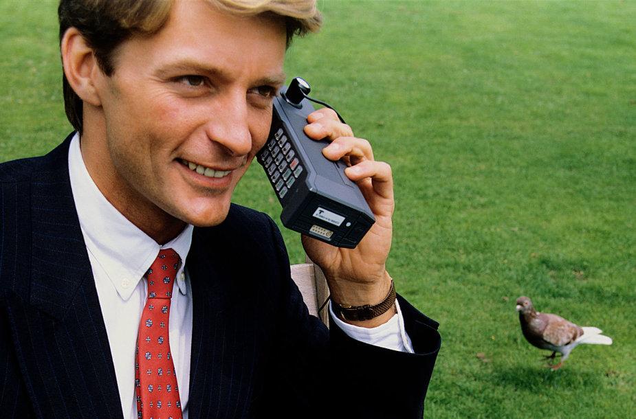 Pirmieji mobilieji telefonai