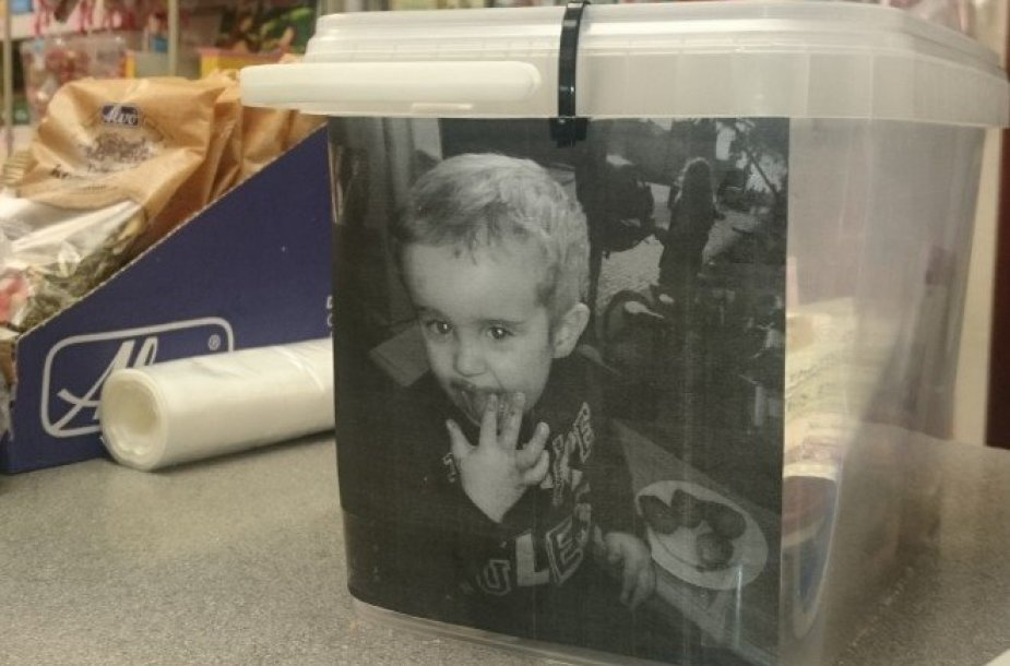 Aukų dėžutė Kyle'o Strachano laidotuvėms