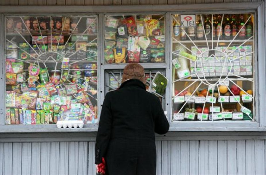 Pasak smulkiųjų verslininkų, apribojus prekybą alkoholiu, dalis kioskų savininkų bus priversti nutraukti savo veiklą.