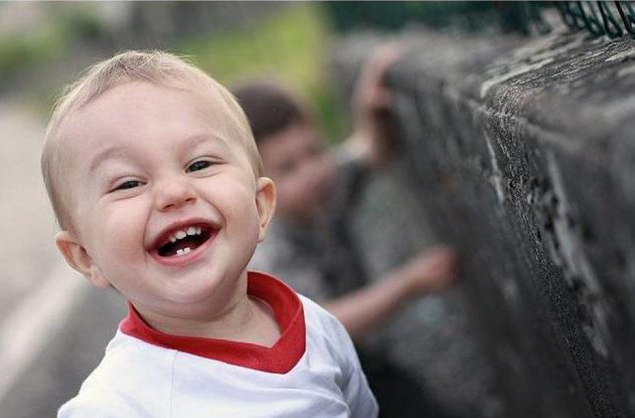Vaikų dantukus reikia prižiūrėti nuo pirmų dienų
