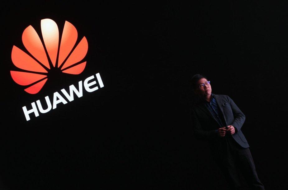 """""""Huawei P10"""" ir  """"Huawei P10 Plus""""pristatymas"""