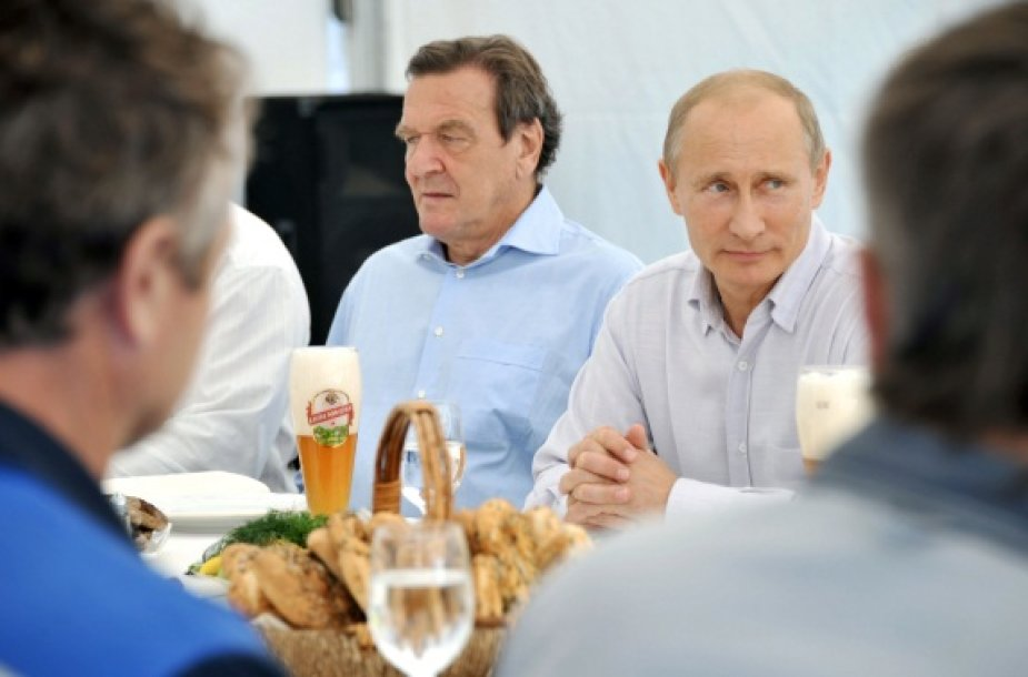 V.Putinas su G.Schroederiu
