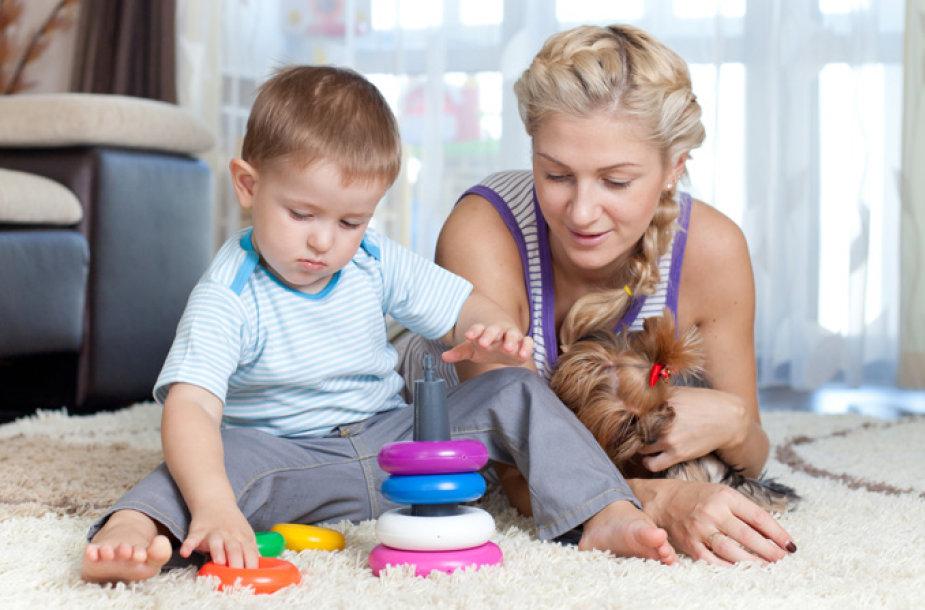Žaidžiantis vaikas
