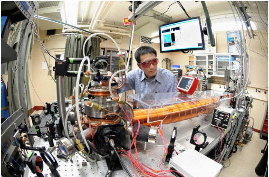 Argonnes Nacionalinės Laboratorijos ATTA-3 lazerinės įrangos derinimo darbai