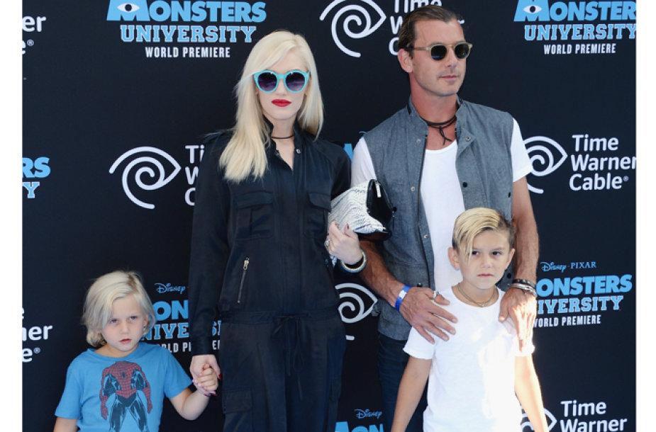 Atlikėja Gwen Stefani su vyru ir sūnumis