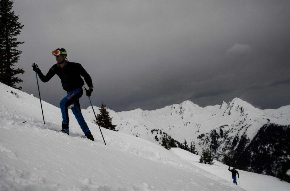 Per sniego griūtį žuvo du slidininkai