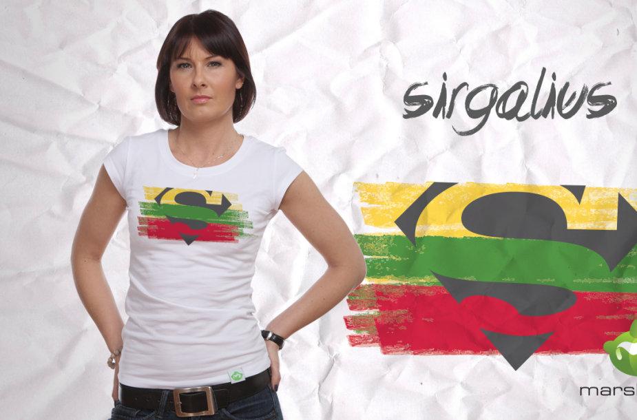 Agnė Gilytė sukūrė marškinėlius krepšinio sirgaliams