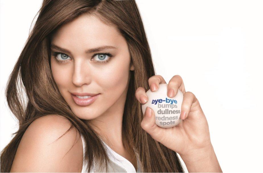 Reklamos modelis Emily
