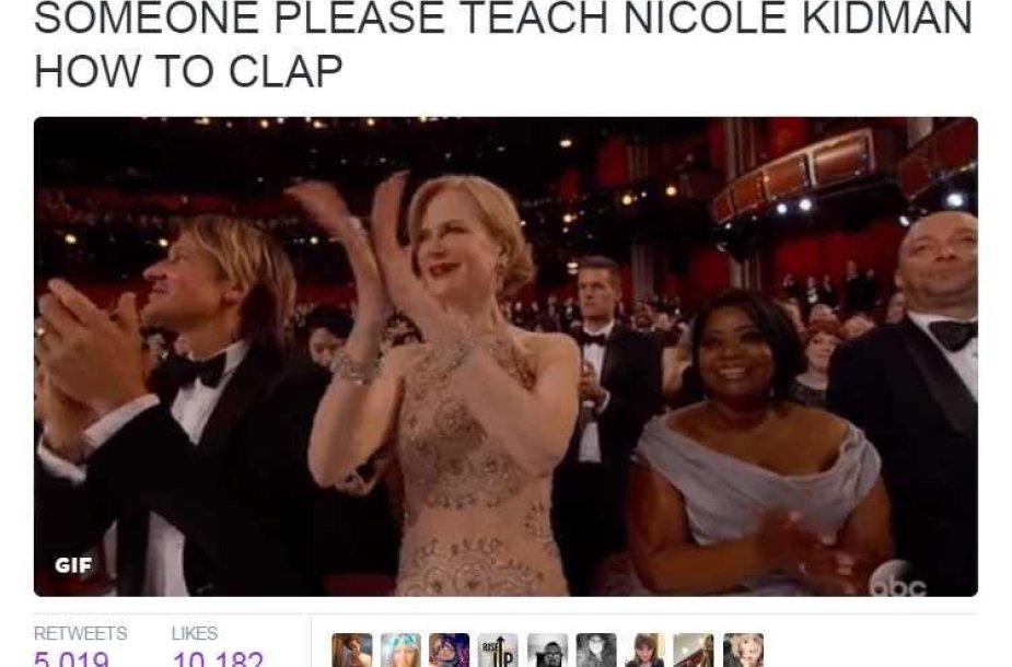Internautai plyšta juokais: kas nors išmokykite Nicole Kidman ploti