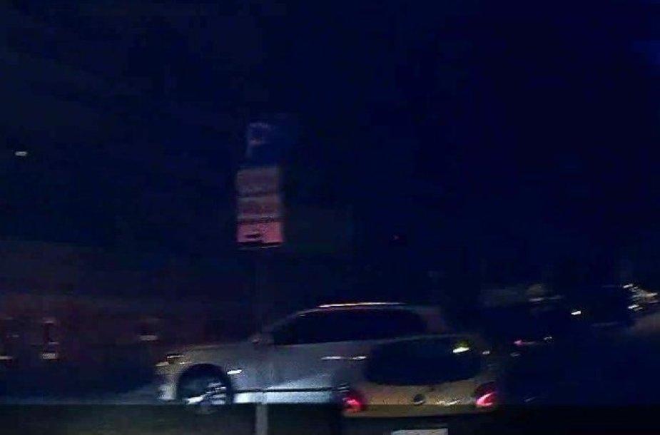 Gaudynės Vilniaus centre – gatvėmis skriejo ir 5 automobilius apgadino girtas varuotojas