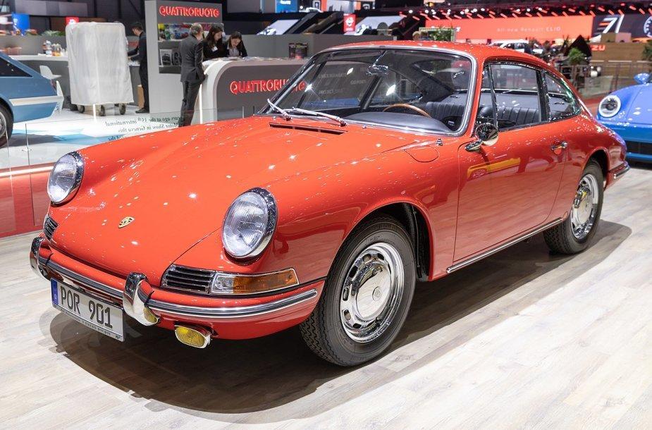 Porsche 911 debiutas buvo pažymėtas kitu vardu – nuotraukoje matote Porsche 901. (Matti Blume, Wikimedia(CC BY-SA 4.0)