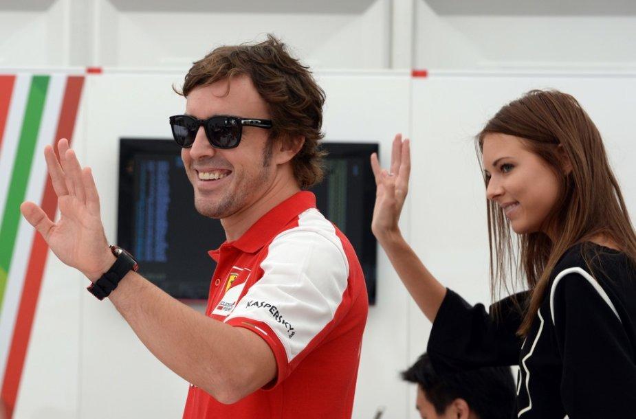 Fernando Alonso ir Dasha Kapustina