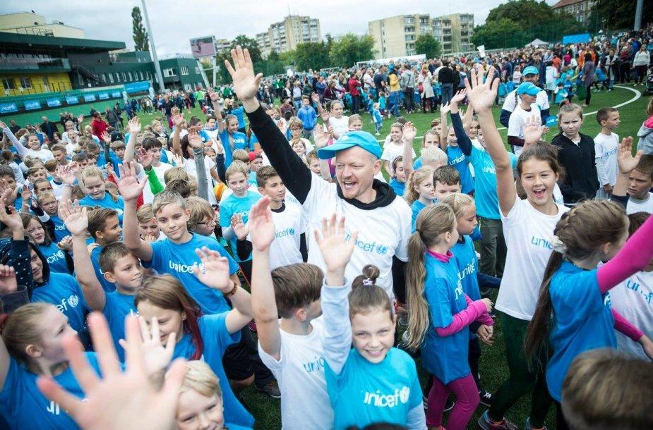 """Jubiliejų švenčianti """"Unicef Lietuva"""" vaikų bėgimu sujungs net 5 miestus"""