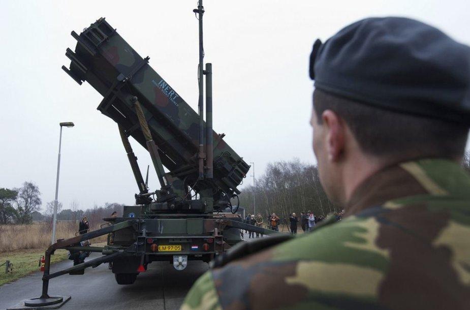 """""""Patriot"""" raketų paleidimo sistema"""