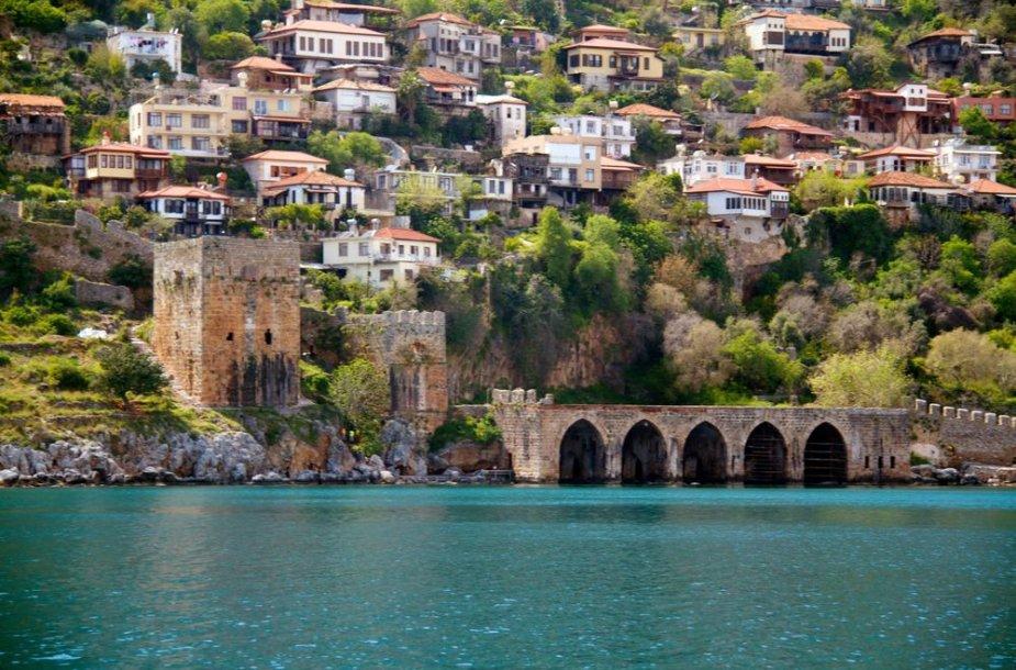 Alanijos pilis Turkijoje