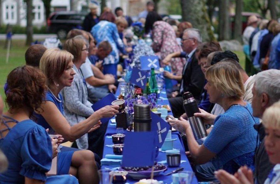Saugų miestelyje – Mėlynoji vakarienė ir muzikos festivalis