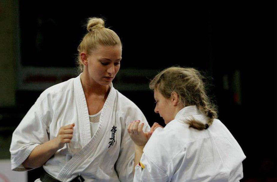 Kiokušin karatė atstovė Nora Vaznelytė