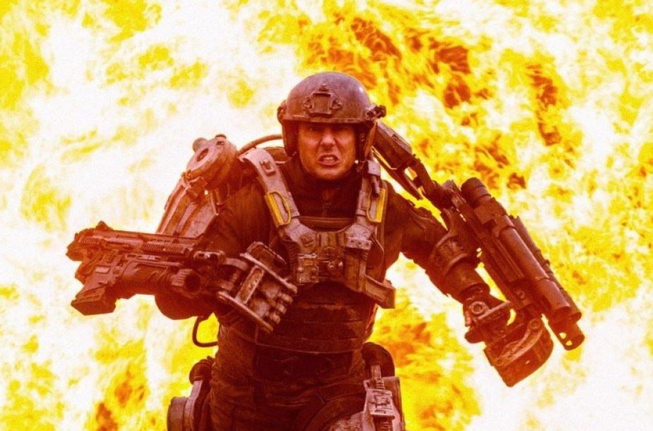 """Tomas Cruise'as filme """"Ties riba į rytojų"""""""