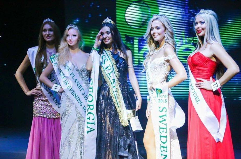Karolina Toleikytė Miss Planet 2015 konkurse
