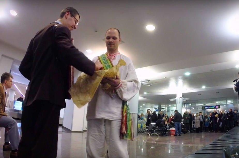 Iš Egipto grįžtančių lietuvių sutiktuvės