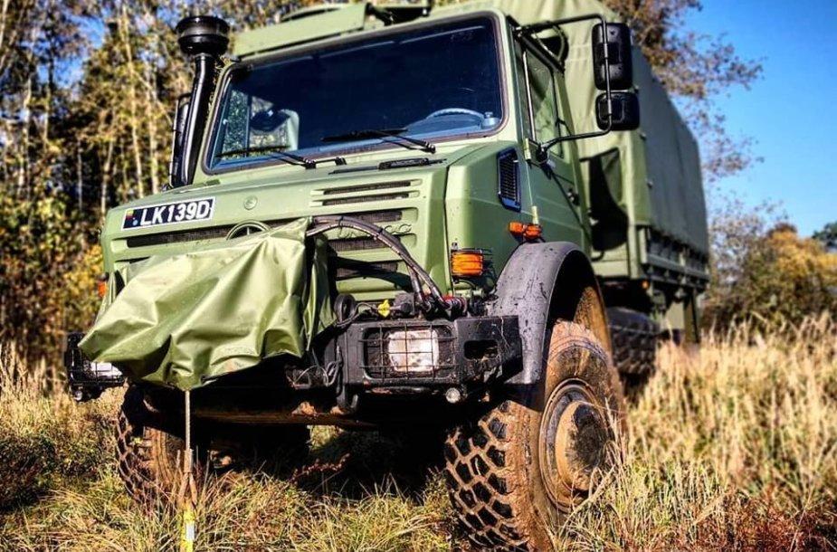 Lietuvos kariuomenės sunkvežimis UNIMOG 500