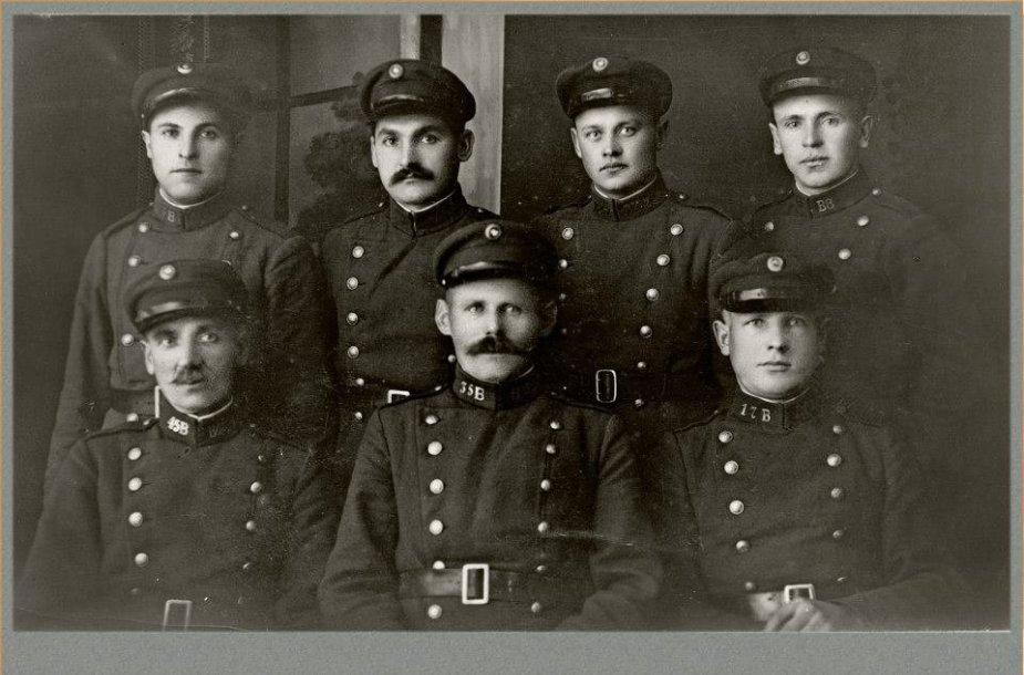 Lietuvos pareigūnai tarpukario metu