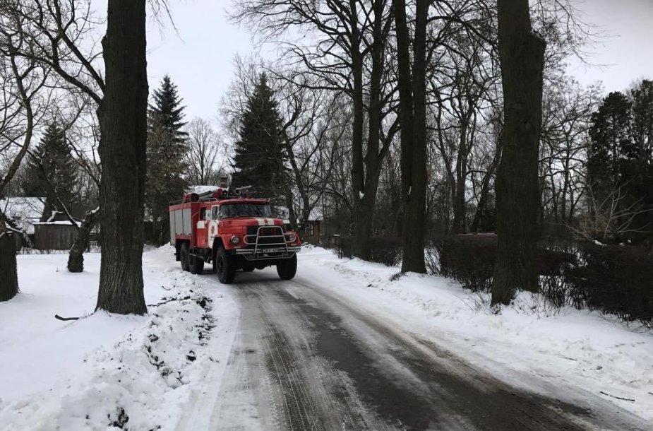 Jonavos ugniagesių gelbėtojų automobilis
